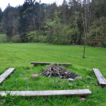 Feuerstelle, am südlichen Wiesengrundstück