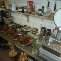 Kücheneinrichtung und Antipasti